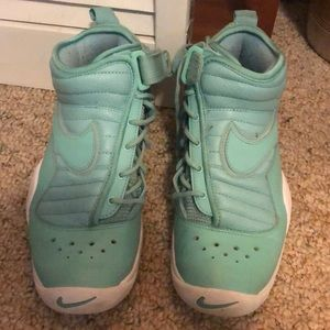 Nike air shoes boys size 6